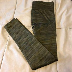 Pants - NWOT olive green fleece lined leggings
